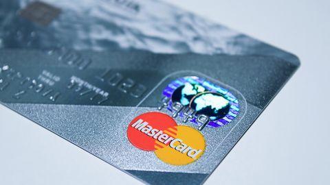 Płatności BLIK nie tylko z kodem. Będzie można płacić zbliżeniowo telefonem