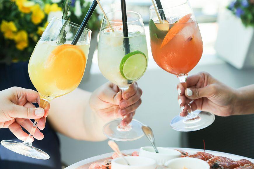 Towarzyskie spotkania sprzyjają nadużywaniu alkoholu