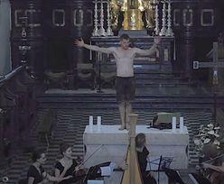Skandal pod Krakowem. Półnagi mężczyzna tańczył na ołtarzu w kościele w Tyńcu