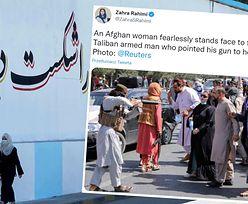 Talib celuje z karabinu do kobiety, a ona ma go gdzieś. Zdjęcie obiegło świat