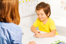 Kolorowanki dla chłopców – ulubione tematy, wpływ na rozwój dziecka, zachęcenie dziecka
