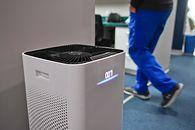Oczyszczacz powietrza powinien stać w każdym polskim domu (opinia) - fot. GettyImages