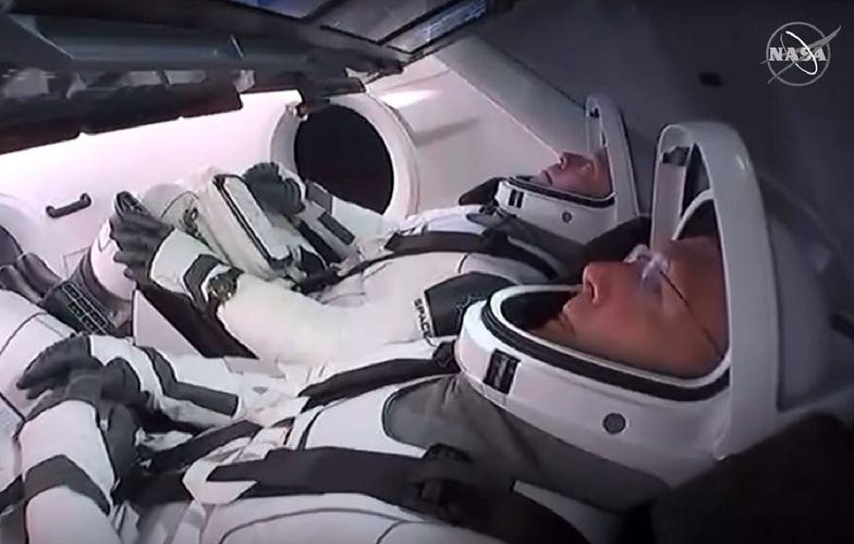 Astronauci wracają na Ziemię. Kiedy wodowanie kapsuły Dragon?