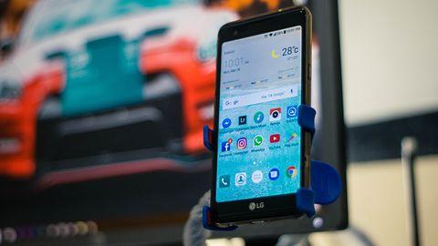 Smartfony z Androidem i Chrome ciągle rozmawiają z serwerami Google. Nawet jeśli są w kieszeni