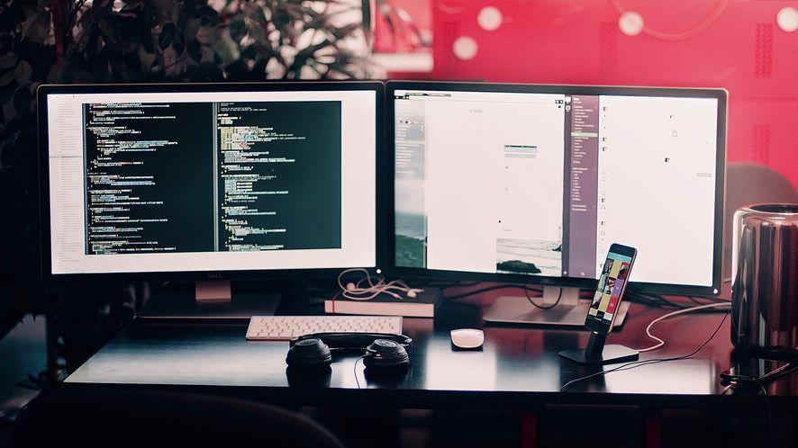 Windows 10 ułatwi pracę z wieloma monitorami, fot. Pixabay