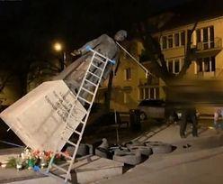 Zdemolowany pomnik ks. Jankowskiego. Ruszył proces sądowy