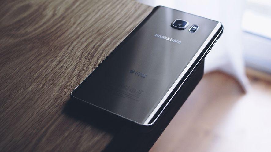 Podejrzana aplikacja do aktualizacji Samsungów zniknęła ze Sklepu Play