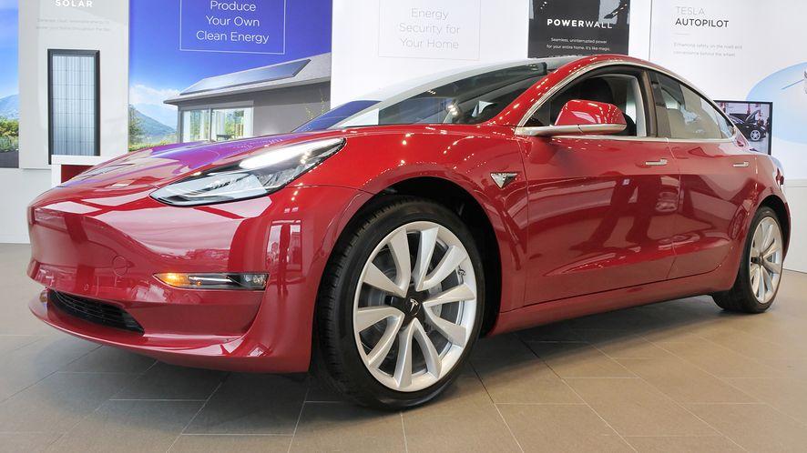 Tesla wydała większą aktualizację oprogramowania. (depositphotos)
