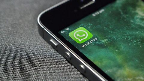 """WhatsApp kontynuuje walkę z """"fake newsami"""". W Indiach można teraz weryfikować wiadomości"""