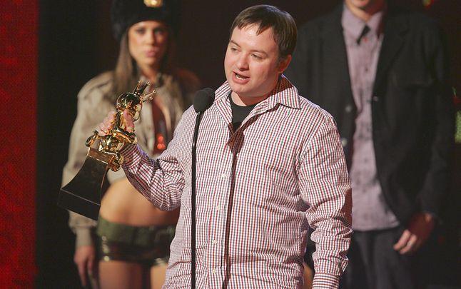 Davide Jaffe z nagrodą Spike TV Video Game Awards (2005 r.)