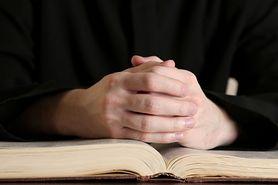 Celibat w kościele katolickim – zasady, historia, celibat współcześnie