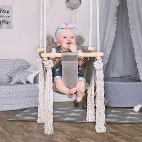 Huśtawka - tradycyjna zabawa wpływająca na rozwój dziecka