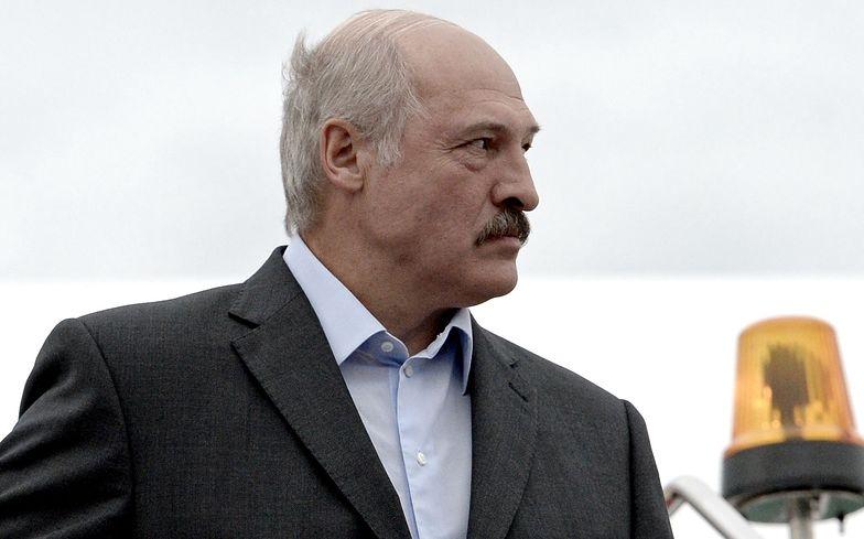 Białorusini drwią z Łukaszenki. To, co wywieszają w oknach, budzi śmiech