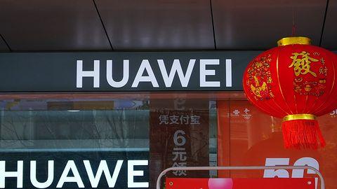 Donald Trump znowu uderza w Huawei. Wstrzymano około 150 licencji