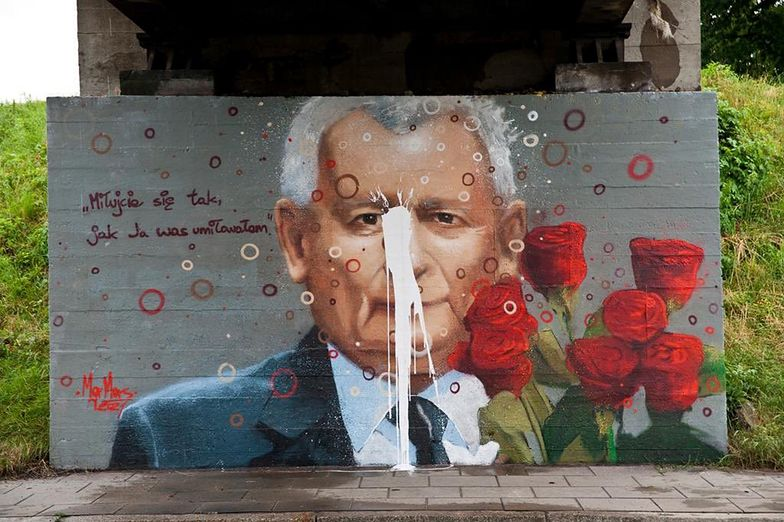 Długo nie przetrwał. Mural z Kaczyńskim zniszczony