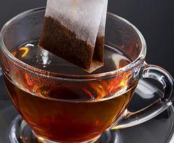 Herbata ekspresowa uwalnia mikroplastik. Opublikowano przerażające dane