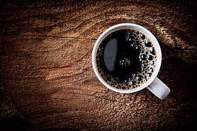 Kawa rozpuszczalna - brązowy proszek, którym szkodzisz sobie każdego dnia