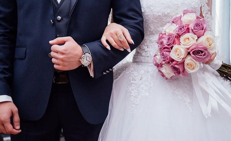 Liczba ślubów kościelnych drastycznie zmalała. Teraz biorą cywilne