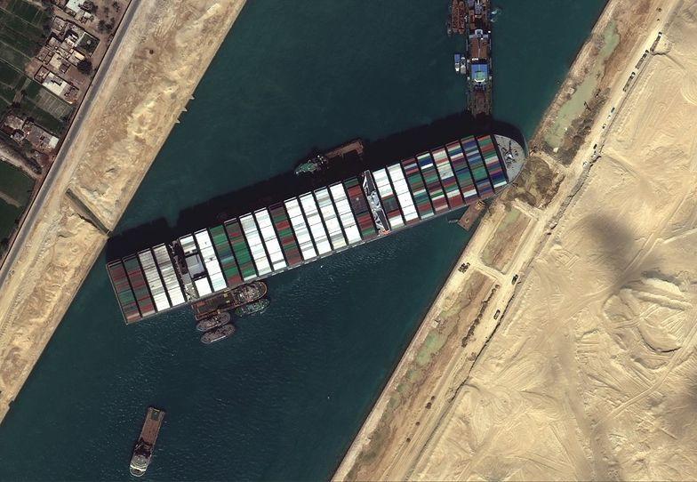Ever Given blokuje Kanał Sueski. Prezydent Egiptu podjął trudną decyzję