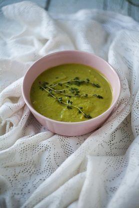 """Krem z zielonego groszku. Przepis z książki """"Jedz zielone"""""""