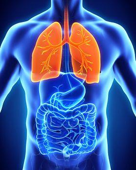 Ciche objawy problemów z płucami. Trzeba na to zwrócić uwagę (WIDEO)