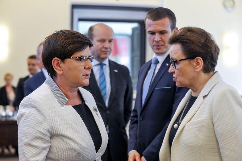 Premier Beata Szydło i minister edukacji Anna Zalewska.