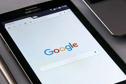 """Google chce cię """"śledzić"""" przez FLoC, a nie ciasteczka. To ma być krok w stronę prywatności"""