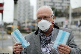 """Koronawirus. Prof. Simon o noszeniu maseczek na powietrzu: """"Powinny zostać z nami do momentu, aż wyszczepimy całe społeczeństwo"""" (WIDEO)"""