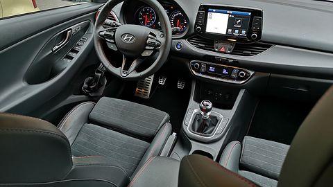 Hyundai i30 Fastback N: Programowa konfiguracja ustawień auta