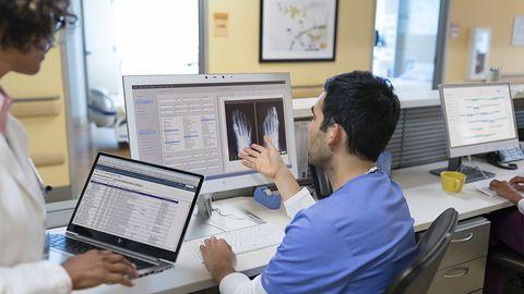 Nowe komputery HP z serii EliteBook i EliteOne. To propozycje dla służby zdrowia