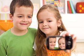Jakich zdjęć dziecka nie powinieneś wrzucać do sieci?