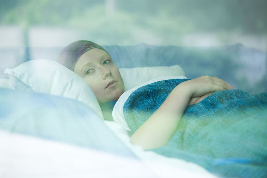 Kobieta chora na nowotwór w szpitalu