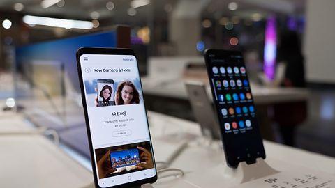 Samsung Galaxy S10 będzie ładowarką dla innych smartfonów i obsłuży Wi-Fi 6