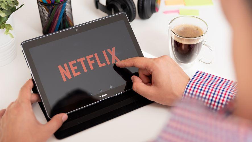 Ekspert z MIT uważa, że nie trzeba było obniżać jakości Netflixa, fot. Proxima Studio/Shutterstock