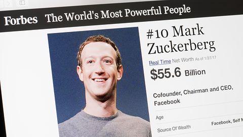 Zuckerberg zaciera ślady? Wiadomości zarządu Facebooka znikają z Messengera