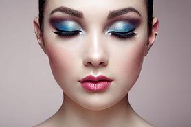 Jak dobrać cienie do koloru oczu? Makijaż niebieskich oczu