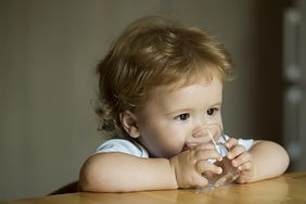 Co powinny pić dzieci, a jakie napoje są dla nich niewskazane?