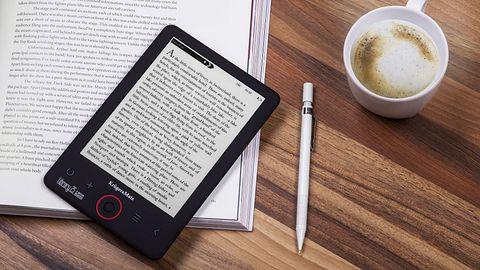 Nowe czytniki e-booków Kruger&Matz: tani z podświetleniem i tańszy podstawowy
