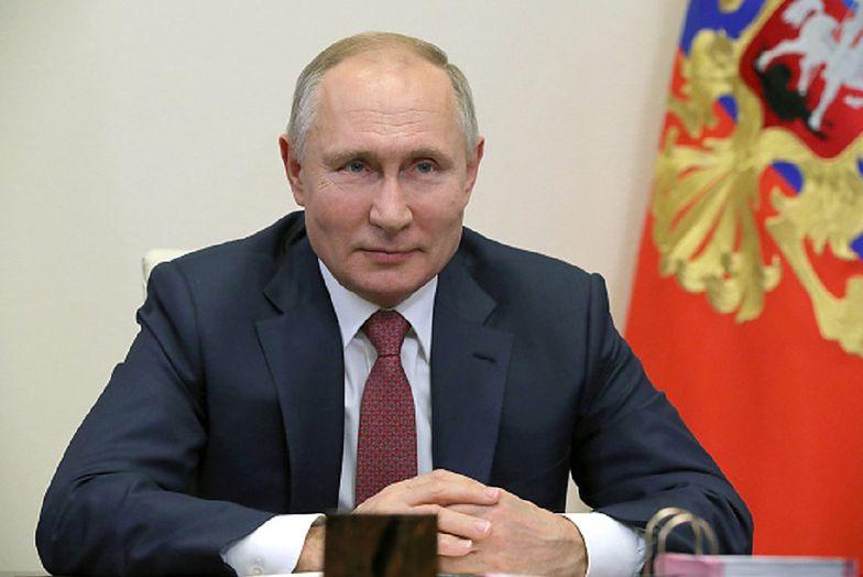 Nowe prawo w Rosji. Władimir Putin sięga po media społecznościowe
