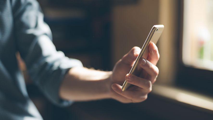 Do OnePlusa 6T trafi czytnik linii papilarnych zintegrowany z ekranem (depositphotos)