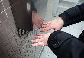 Korzystasz z suszarek do rąk? Uważaj na grzyby i bakterie (WIDEO)