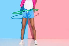 Hula-hop z masażerem – charakterystyka, efekty ćwiczeń, charakterystyka ćwiczeń