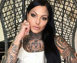 Tatuaże pokrywają jej całe ciało. Pokazała, jakby wyglądała bez nich