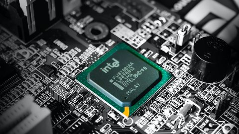 Intel załatał kilka poważnych usterek. Pozwalały instalować złośliwe oprogramowanie