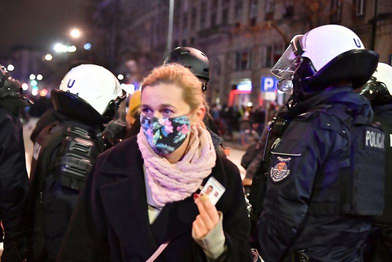 Dantejskie sceny na Strajku Kobiet. Barbara Nowacka przemówiła