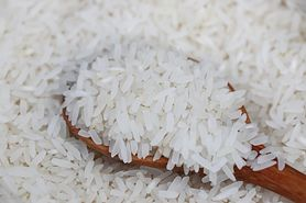 Popularna metoda gotowania ryżu może pozostawiać ślady arsenu w żywności