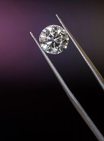 Diamenty z laboratorium. Największy producent biżuterii porzuca kopalnie