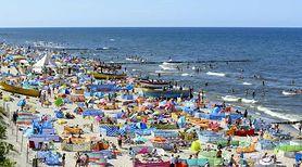 Parawany na plażach utrudniają pracę ratownikom. Znaleźli jednak rozwiązanie tego problemu