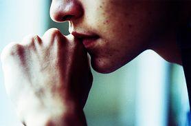 Mukofagia – przyczyny, objawy, skutki i leczenie