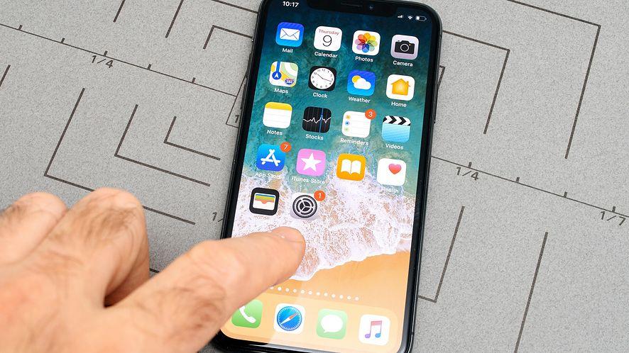 Apple szykuje premierę trzech nowych iPhone'ów z depositphotos
